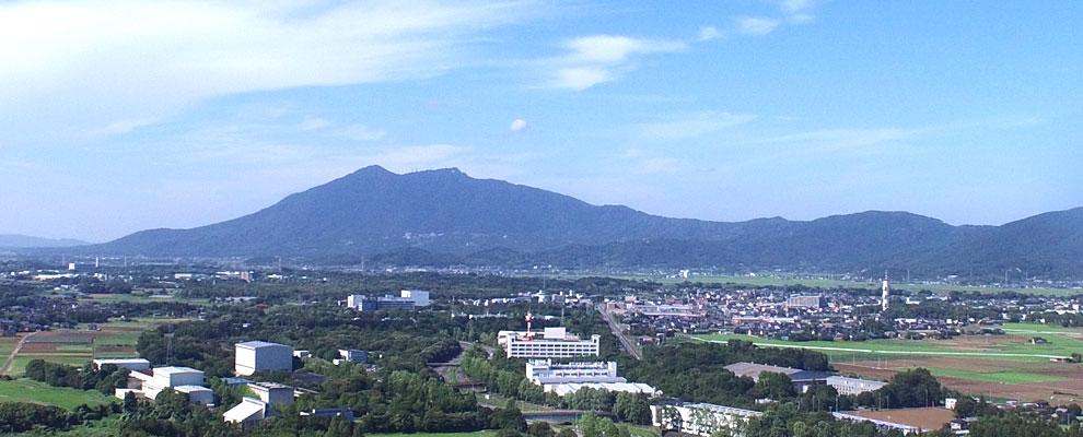 茨城県つくば市の筑波山と観光バス