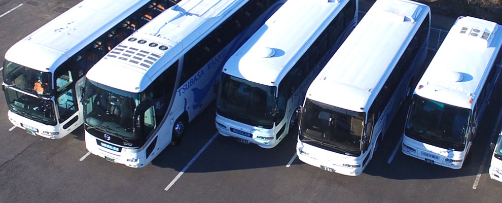 大型バス、中型バス、小型バス、マイクロバスの集合写真